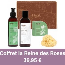 Coffret produits pour la peau contenant un savon d'Alep, un pain de savon d'Alep, une eau florale et une éponge naturelle.