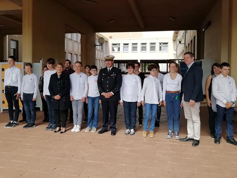Jeunes atteints d'autisme à la cérémonie de rentrée de l'école des pupilles de l'air