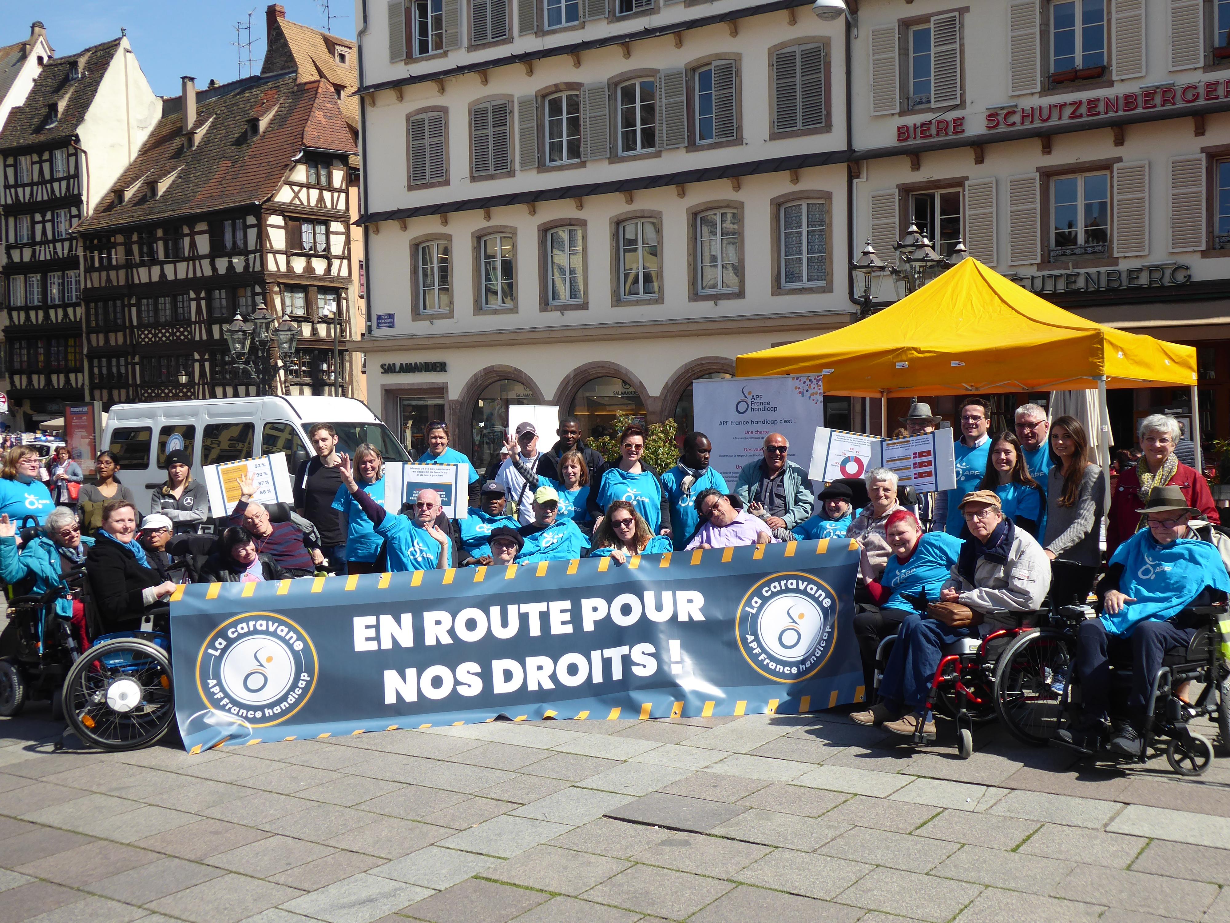 Rassemblement citoyen à Strasbourg lors de la Caravane APF France handicap en route pour nos droits