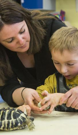 Lien vers https://www.apf-francehandicap.org/accompagner-handicap/parents-enfants-situation-handicap-2275