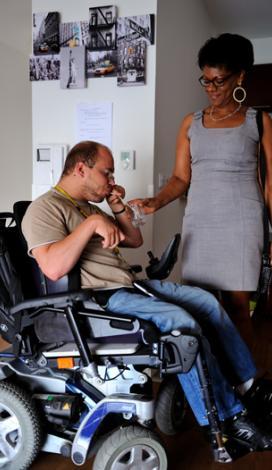 Visuel pour L'offre de service APF France handicap