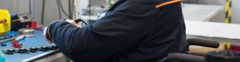 Lien vers http://www.apf-entreprises.fr/nos-offres/industrie/
