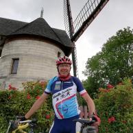 Visuel pour Claude roule pour APF France handicap !