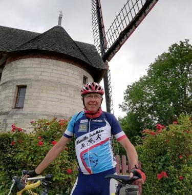 départ de Claude pour un tour de France à vélo pour APF France handicap