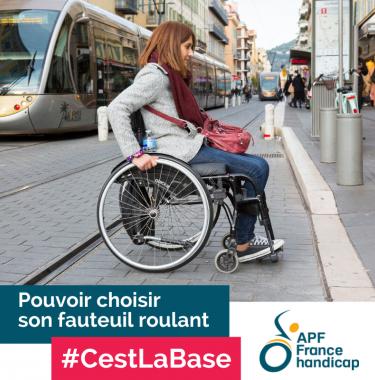 Image de femme en fauteuil roulant, pouvoir choisir son fauteuil roulant, c'est la base