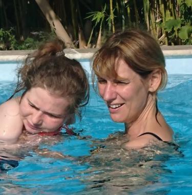Marielle aidante de sa fille Mathilde, en situation de polyhandicap