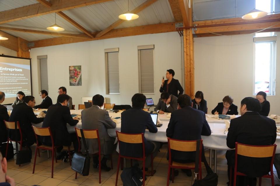 table_ronde_delegation_japonaise_APF_France_handicap